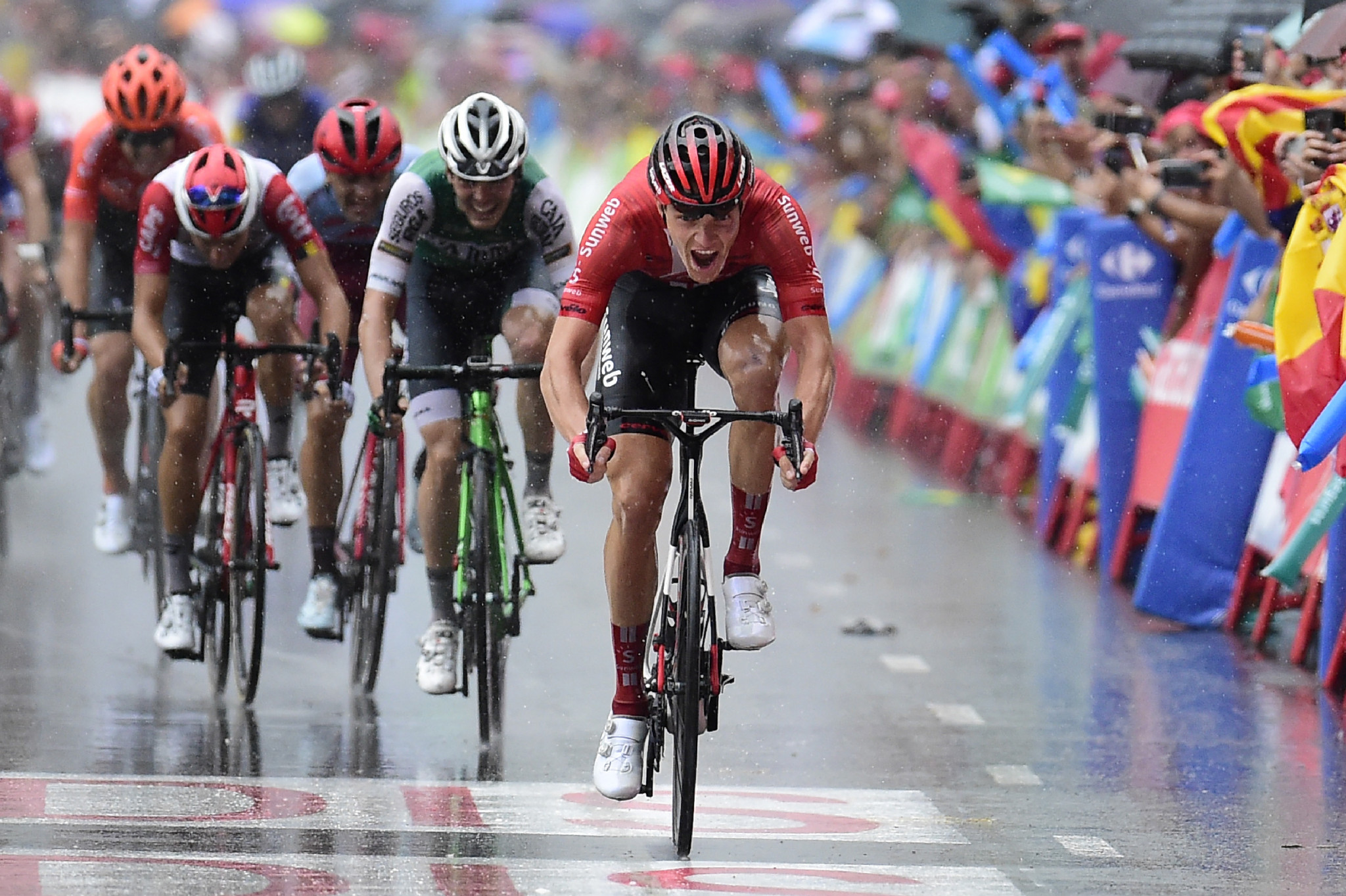 Edet takes red jersey after Arndt triumphs on stage eight of Vuelta a España