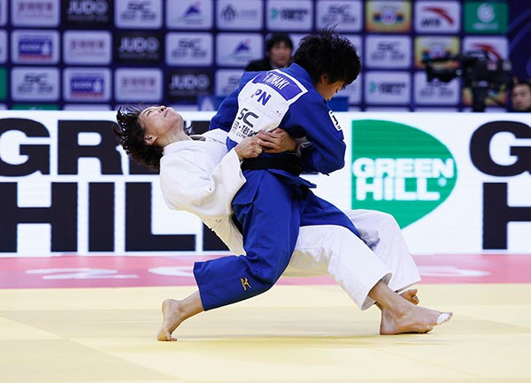 Japan's Funa Tonaki claimed a shock win over Urantsetseg Munkhbat of Mongolia ©IJF