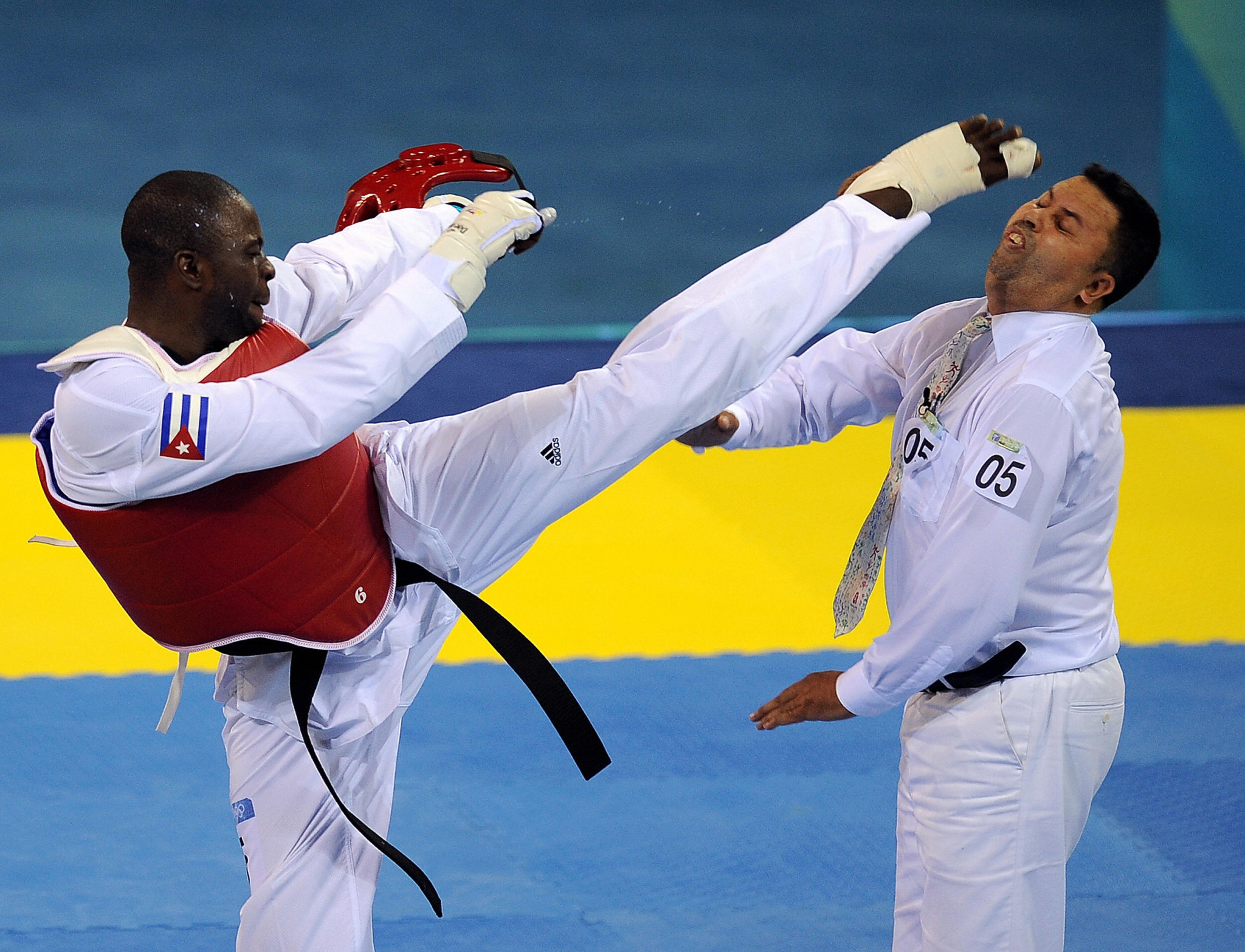 Chakir Chelbat was kicked in the face by Cuba's Ángel Matos at the Beijing 2008 Olympics ©Getty Images