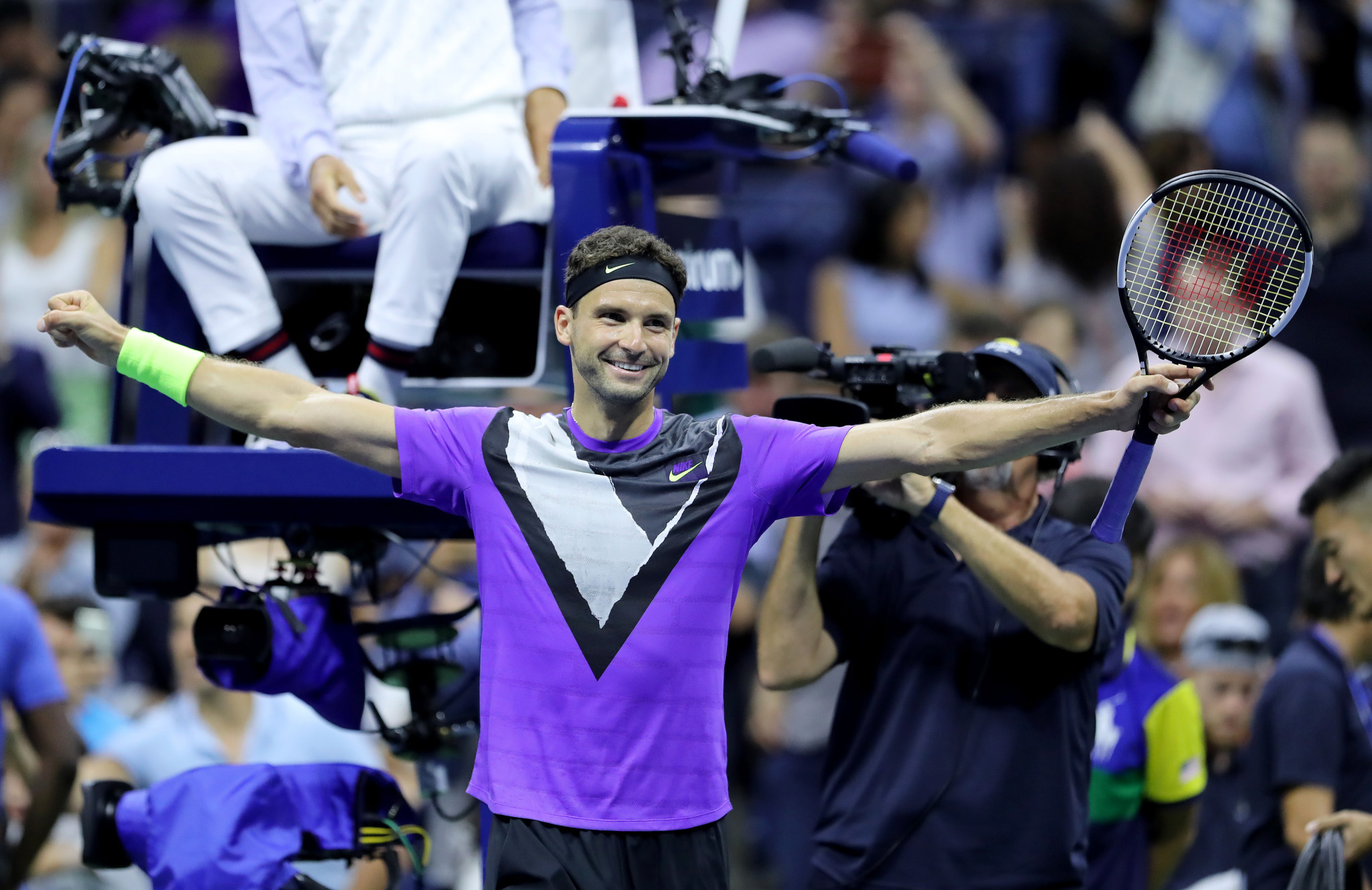 Dimitrov topples Federer at US Open, as Williams breezes through