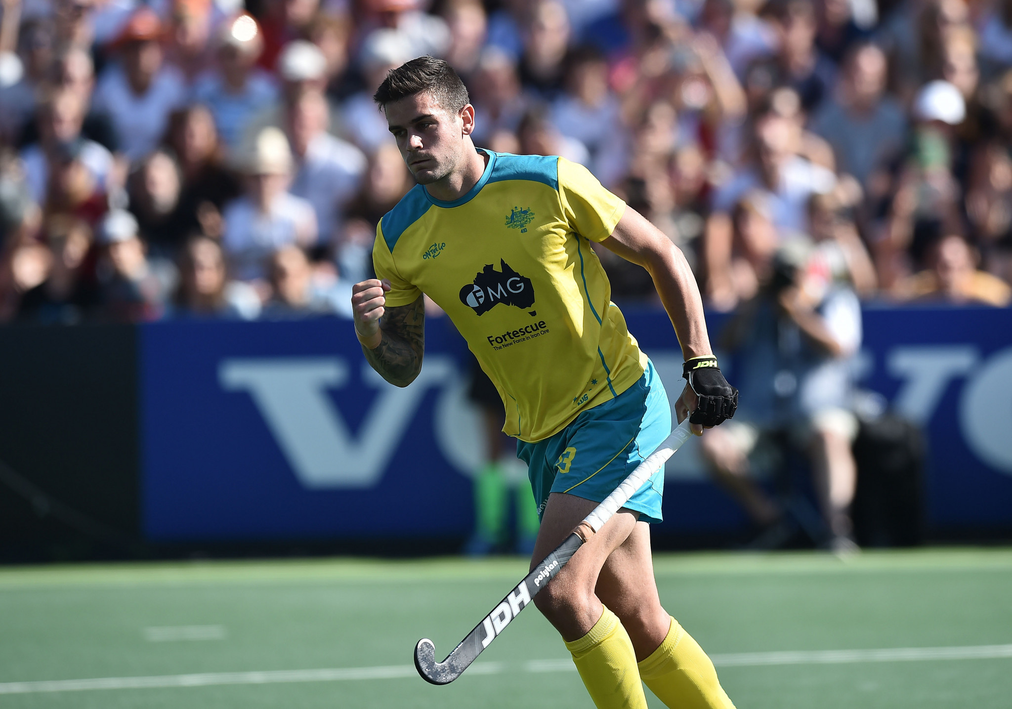 Australia's men off to a flyer at Oceania Hockey Cup as women's side lose