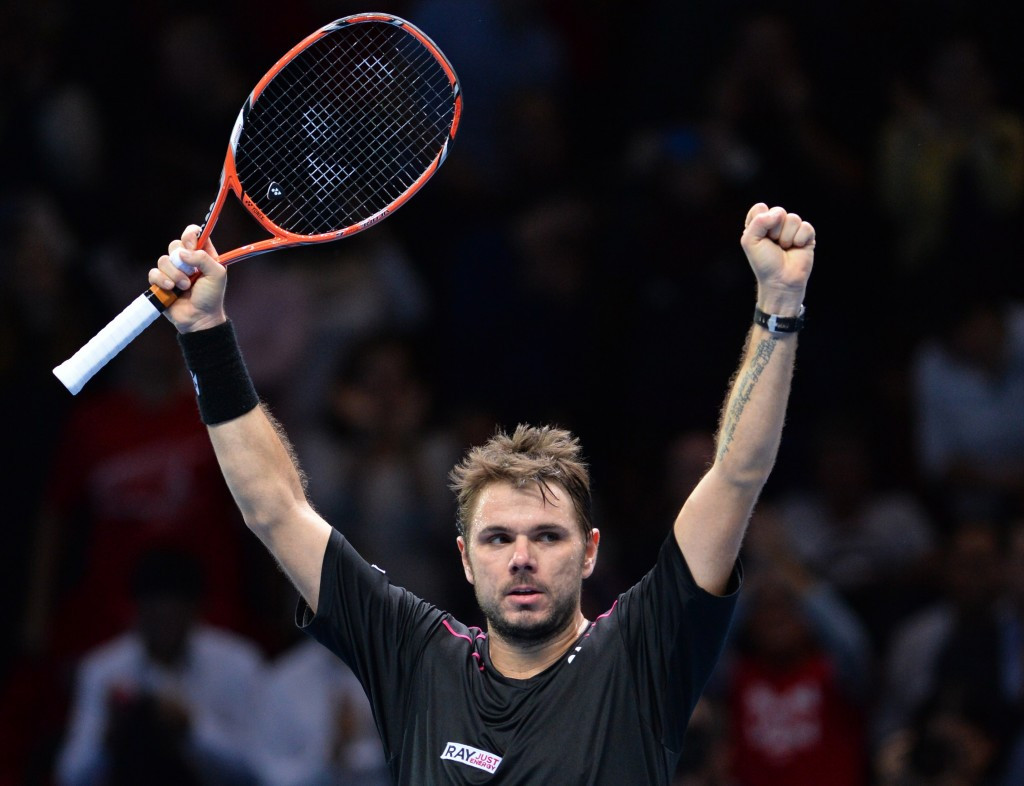 Wawrinka sets up last-four clash with fellow Swiss Federer after overcoming Murray at ATP World Tour Finals