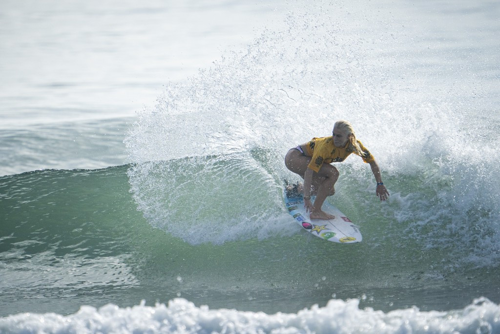 Brazil's former world junior champion Tatiana Weston-Webb earned the highest single wave score of the day ©ISA