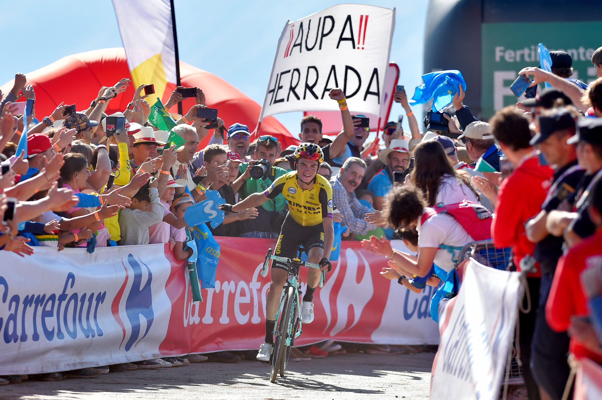 Kuss clinches stage 15 win at Vuelta a España as Roglic and Valverde gain time