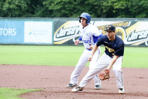 Israel maintained their winning start in Germany with a 4-3 win against Sweden ©Confederation of European Baseball