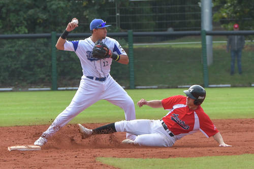 Italy maintained their 100 per cent start by defeating Austria 10-1 ©Confederation of European Baseball