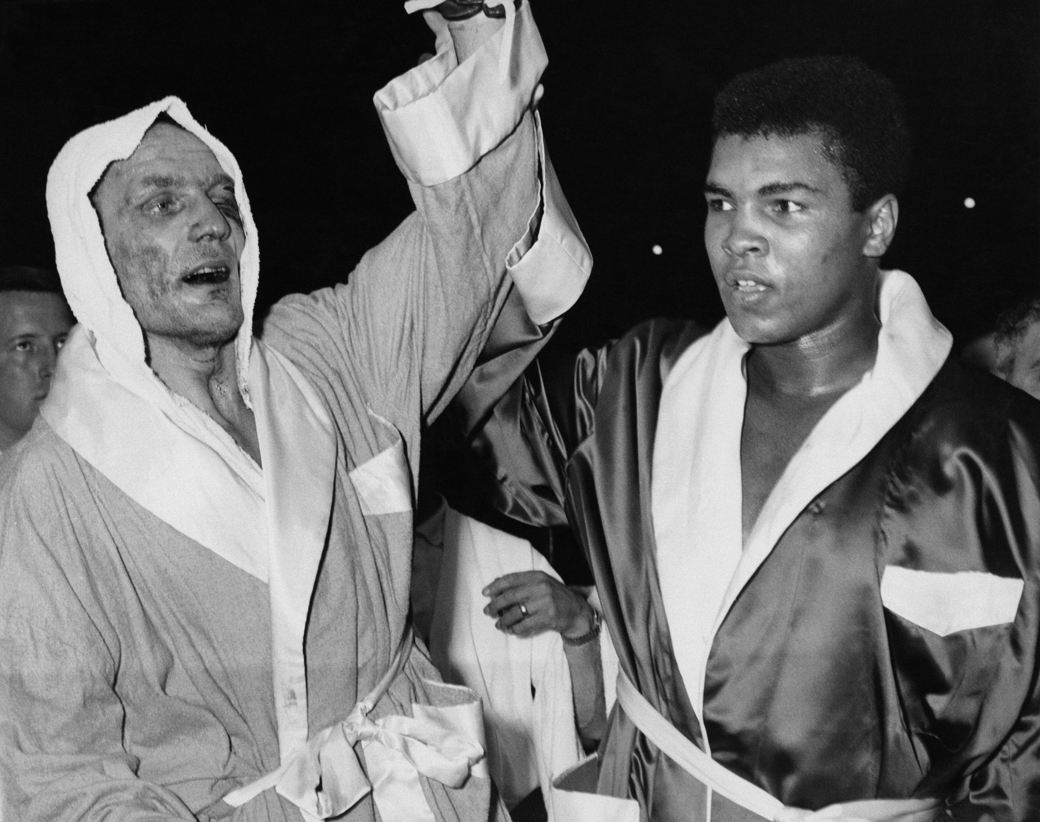 Sir Henry Cooper put Cassius Clay on his backside in 1963 and showed great courage in defeat ©Getty Images