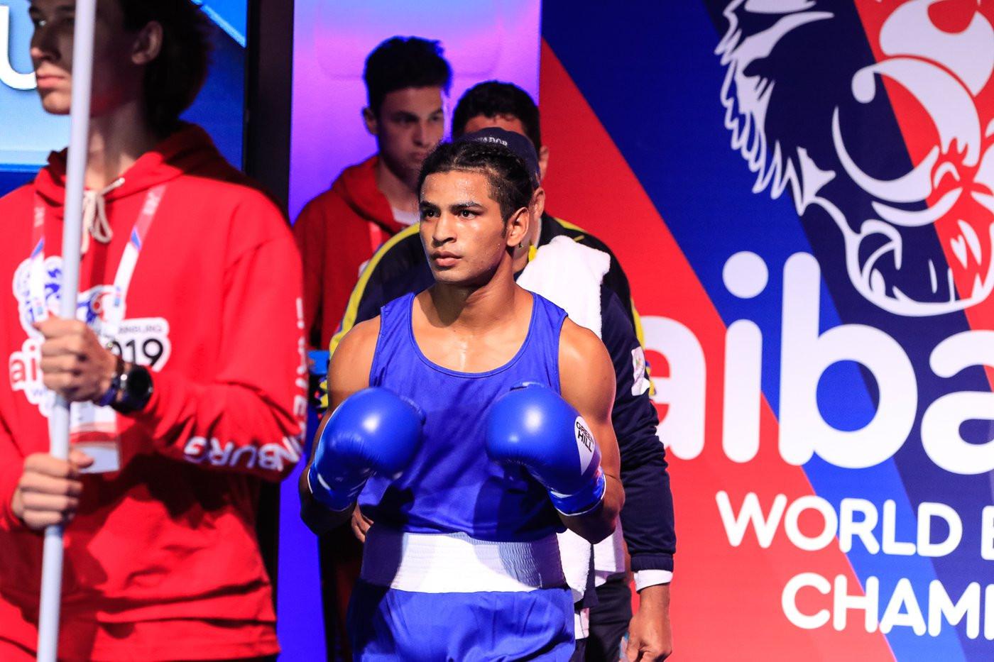 Ecuador's Jean Caicedo met Oleksii Kozolok of Ukraine in the opening fight ©Yekaterinburg 2019