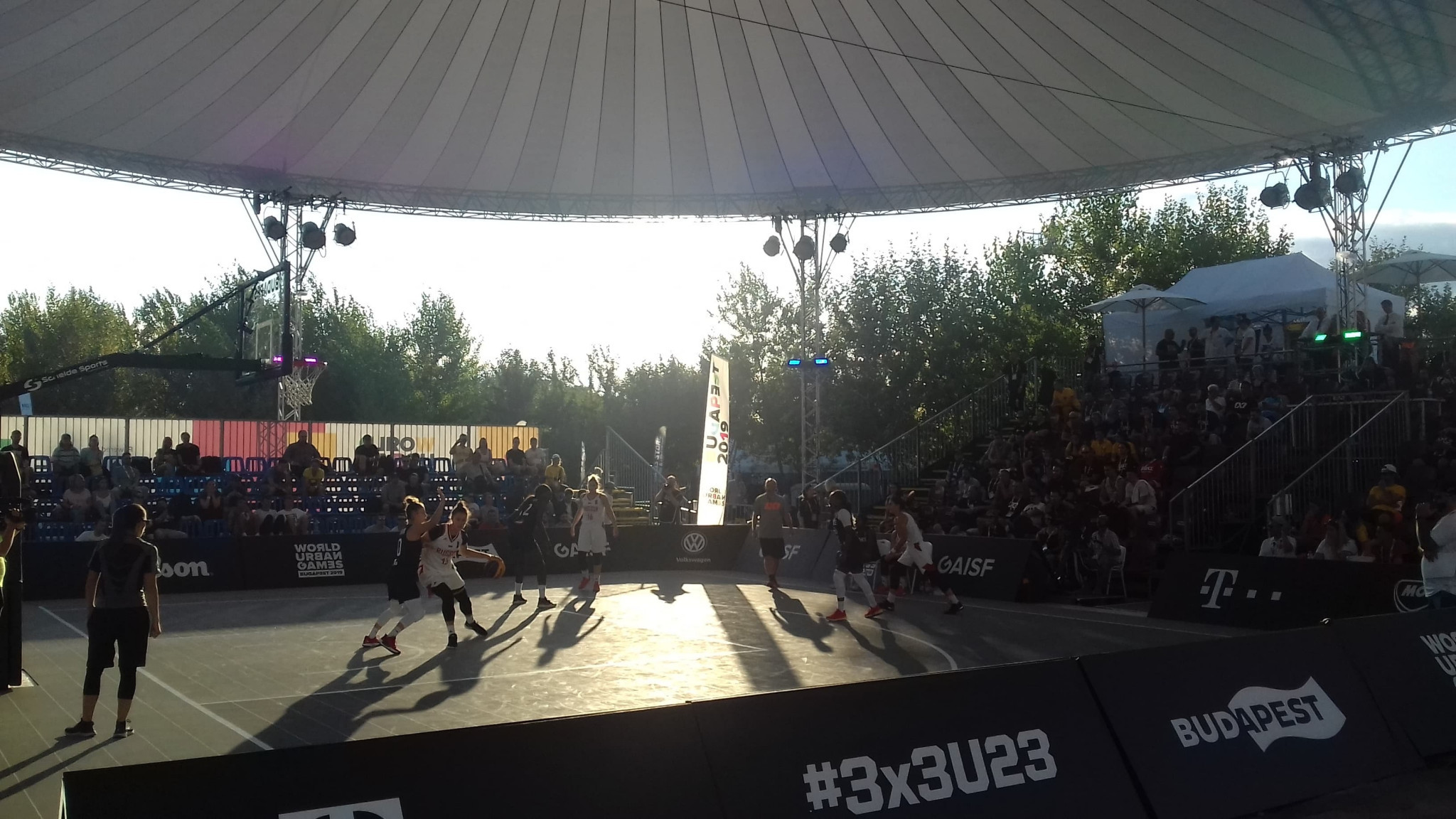 The first pool matches took place in the 3x3 basketball competitions ©ITG