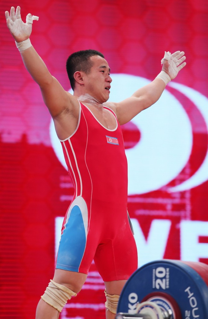 Two world records broken as North Korean wins again at 2015 World Weightlifting Championships