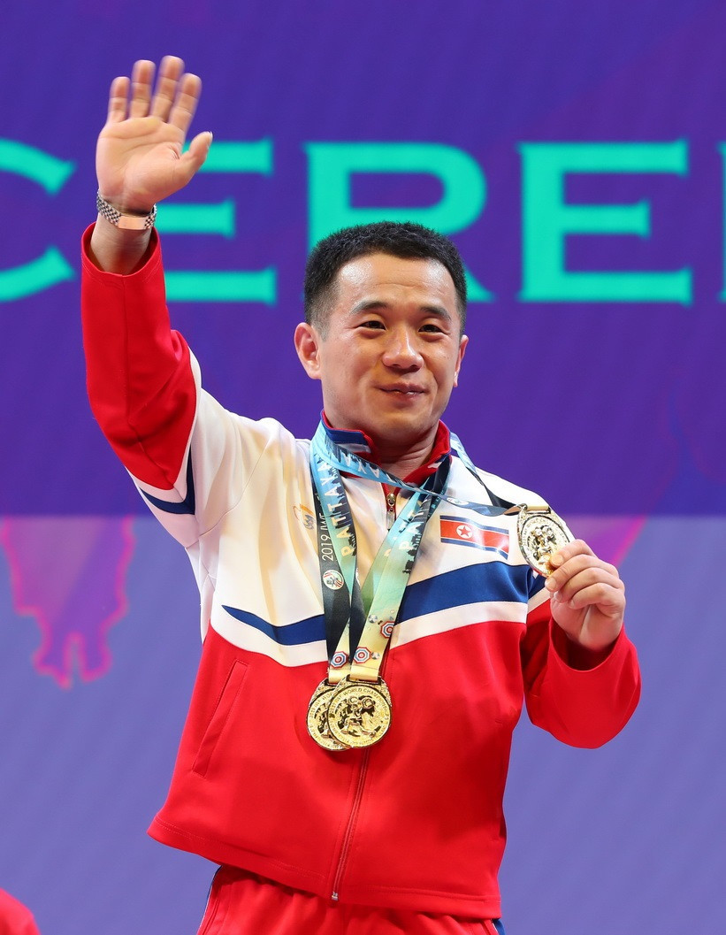 North Korea's Om breaks two 55kg world records at IWF World Championships