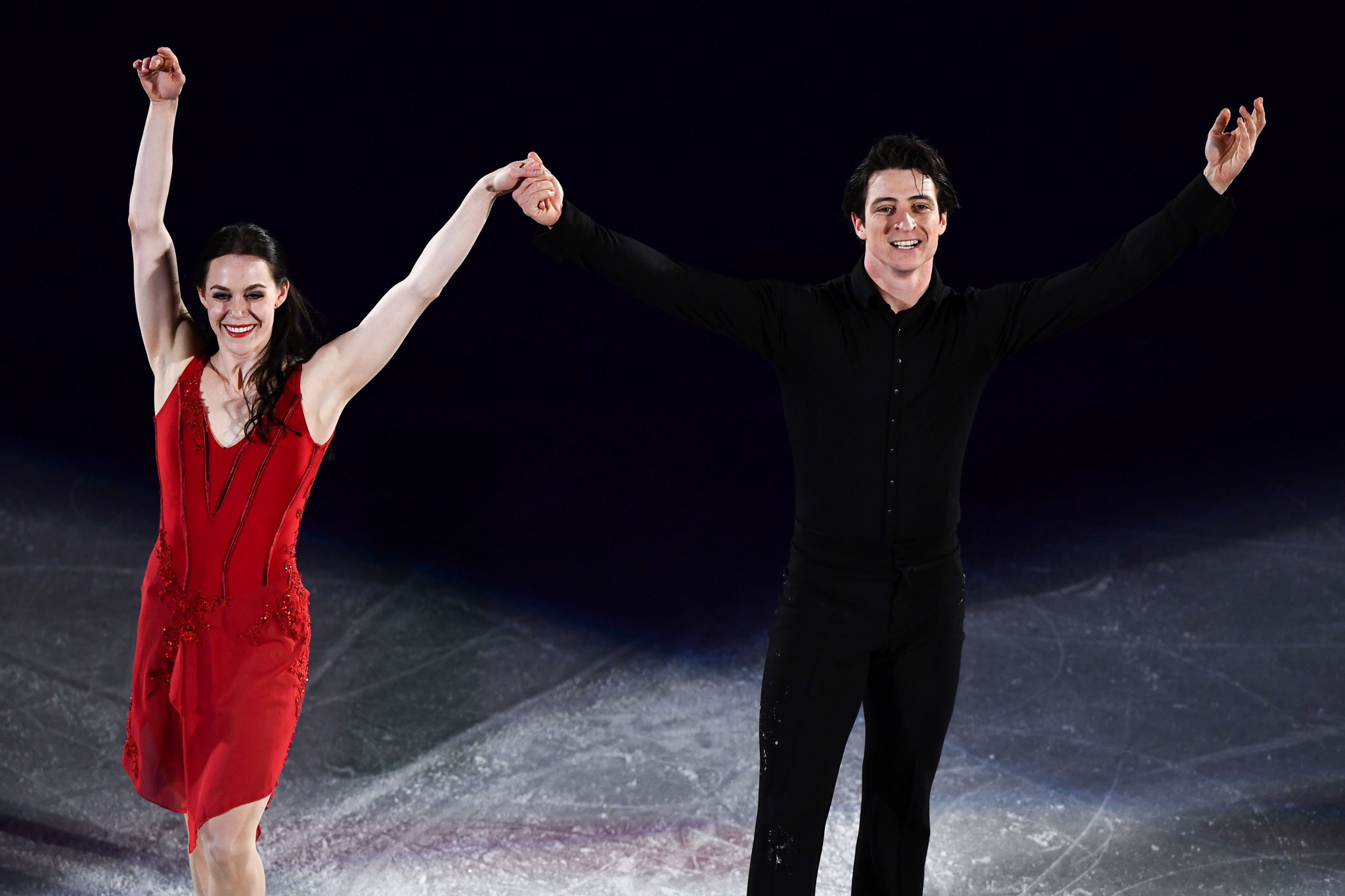 Triple Olympic figure skating champions Virtue and Moir retire