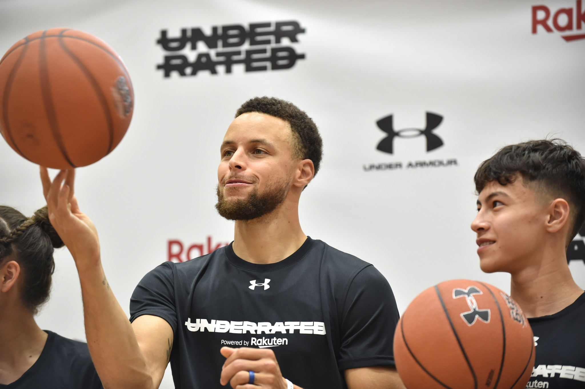 Basketball star Curry commits to the United States at Tokyo 2020