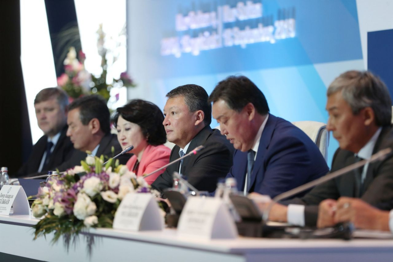 Timur Kulibayev thanked national sports federations for their cooperation during his first four-year term ©HOK