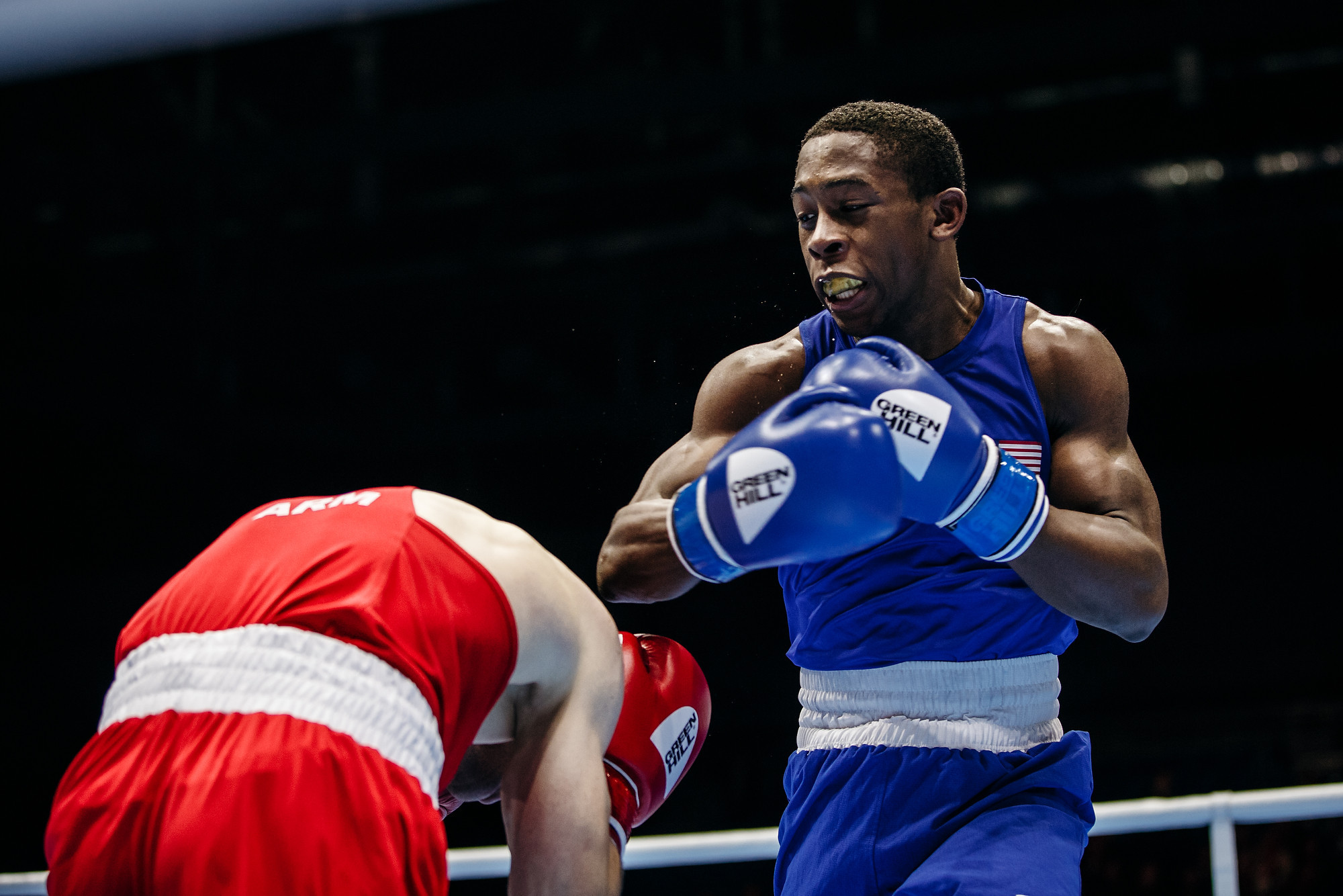 Davis stuns two-time European champion Bachkov to reach light welterweight final at AIBA Men's World Championships
