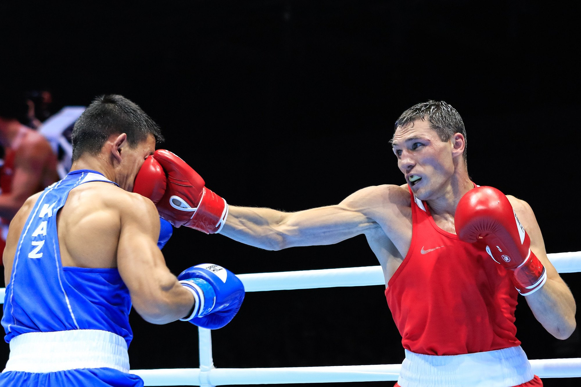 Russian boxers delight home crowd with semi-final wins at AIBA World Championships