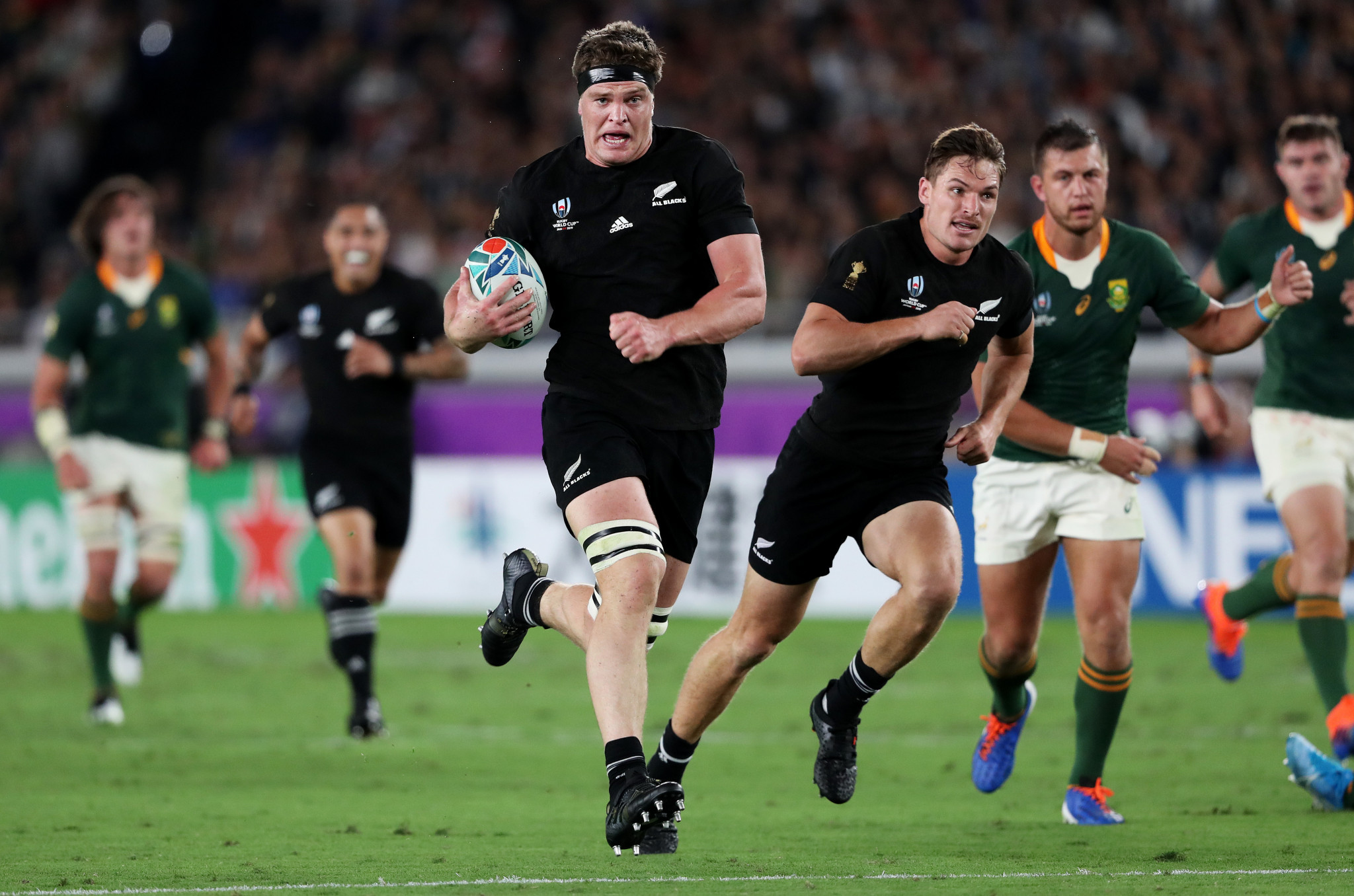 New Zealand edge South Africa in Rugby World Cup on day of thrills