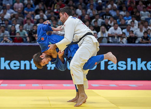 Sharofiddin Boltaboev broke the fastest ippon record en route to gold ©IJF