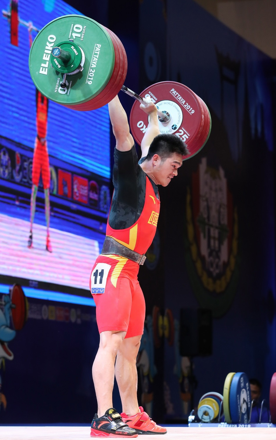 China's Shi Zhiyong was in a different league to his fellow competitors in the men's 73kg event ©IWF