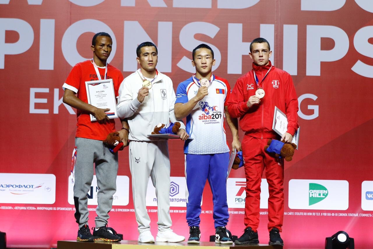 Uzbekistan's Mirazizbek Mirzakhalilov topped the podium in the featherweight division, defeating Cuba's Lázaro Álvarez ©Yekaterinburg 2019