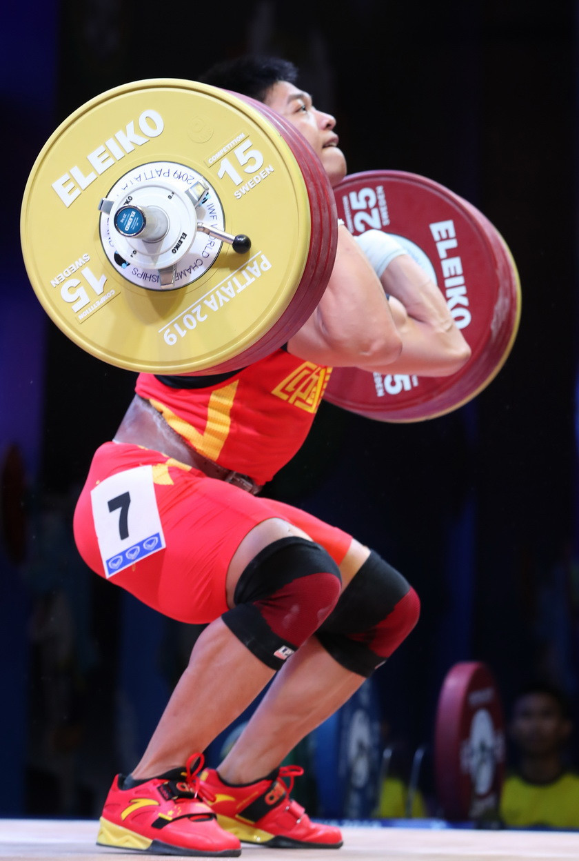 Compatriot Li Dayin had to settle for second place in the snatch, clean and jerk and total ©IWF
