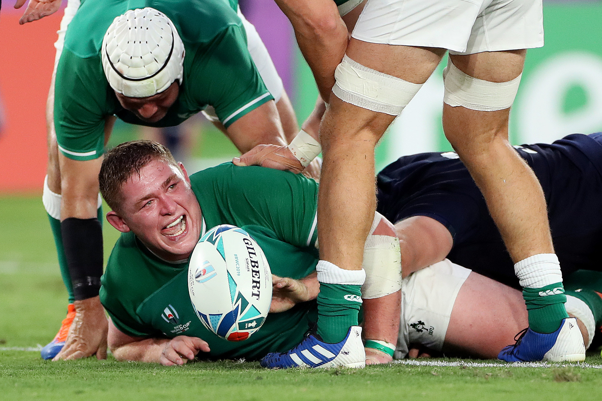 Tadhg Furlong celebrates crossing the whitewash for Ireland ©Getty Images