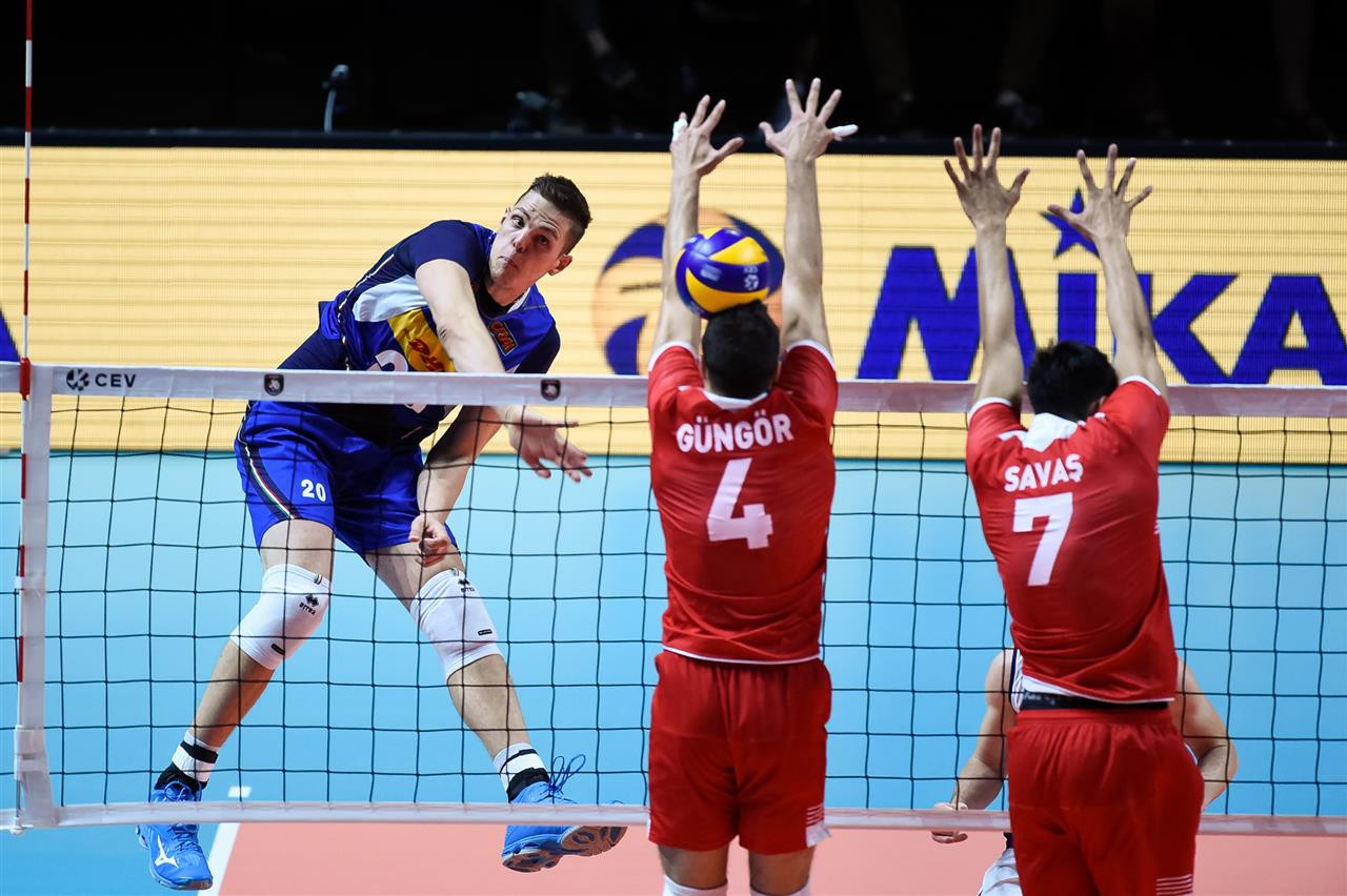 Italy clinch last quarter-final place at Men's European Volleyball Championship