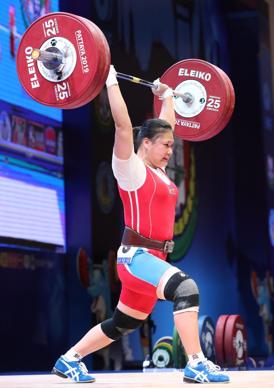 Rounding off the podium was North Korea's Kim Hyo Sim ©IWF