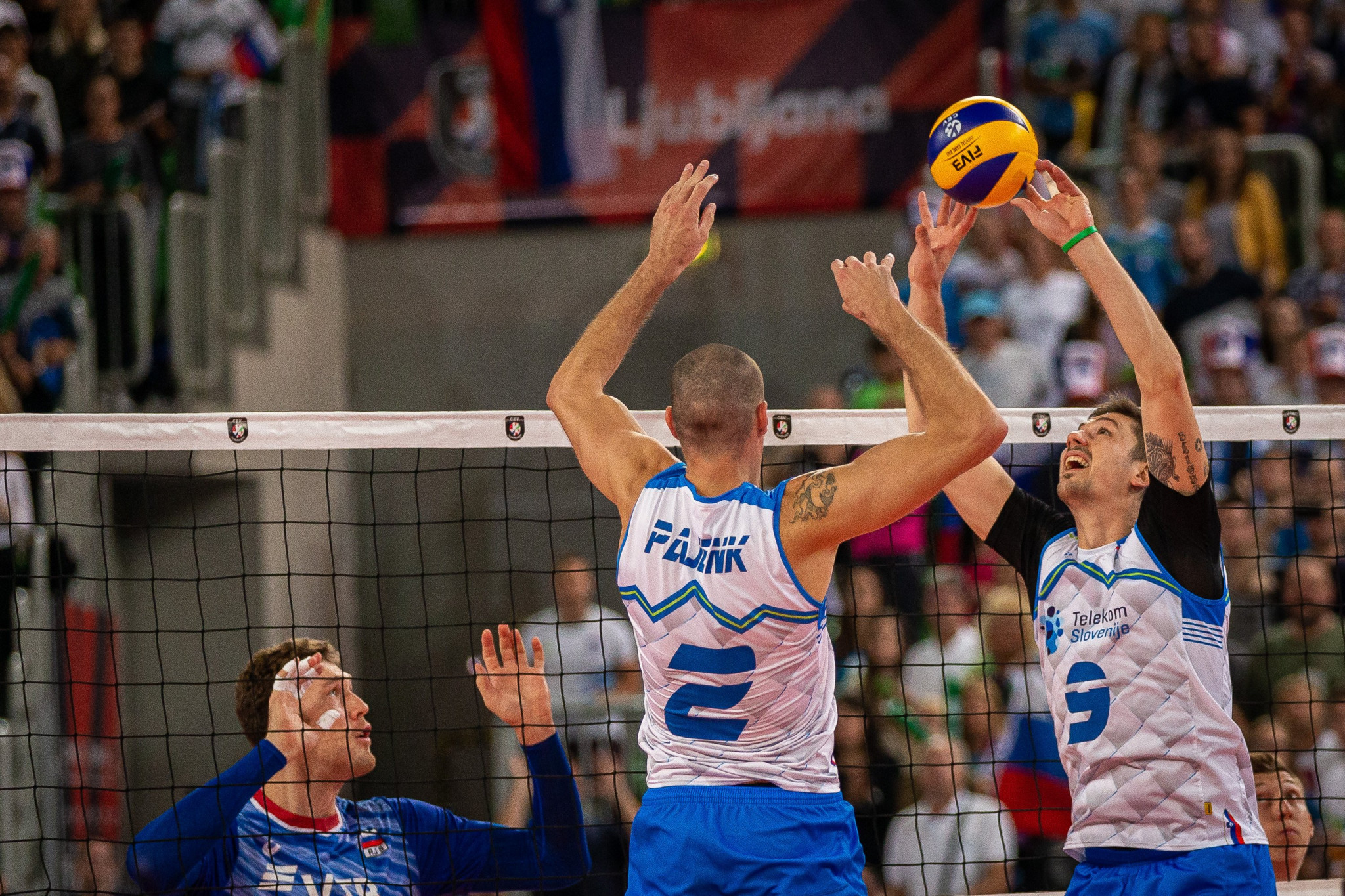 Slovenia beat defending champions Russia to reach semi-finals at Men's European Volleyball Championship