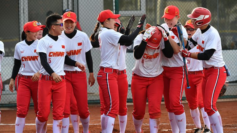 Lu Ying hit a grand slam as China battled back to beat Philippines ©WBSC