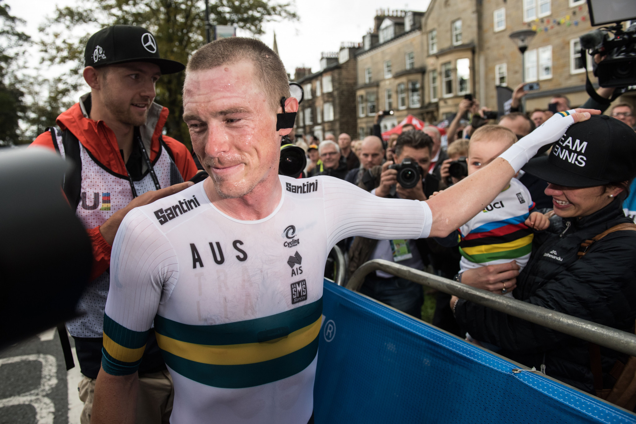 Dennis defends time trial title at UCI Road World Championships
