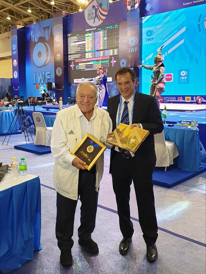 AIMS President Fox pays visit to IWF World Championships