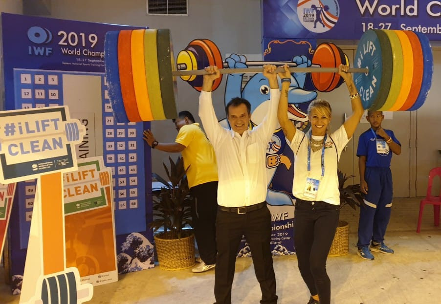 Stephan Fox, also vice-president of the Global Association of International Sports Federations, stopped off at the #iLiftClean information booth located on the outskirts of the venue being used for the IWF World Championships ©IWF