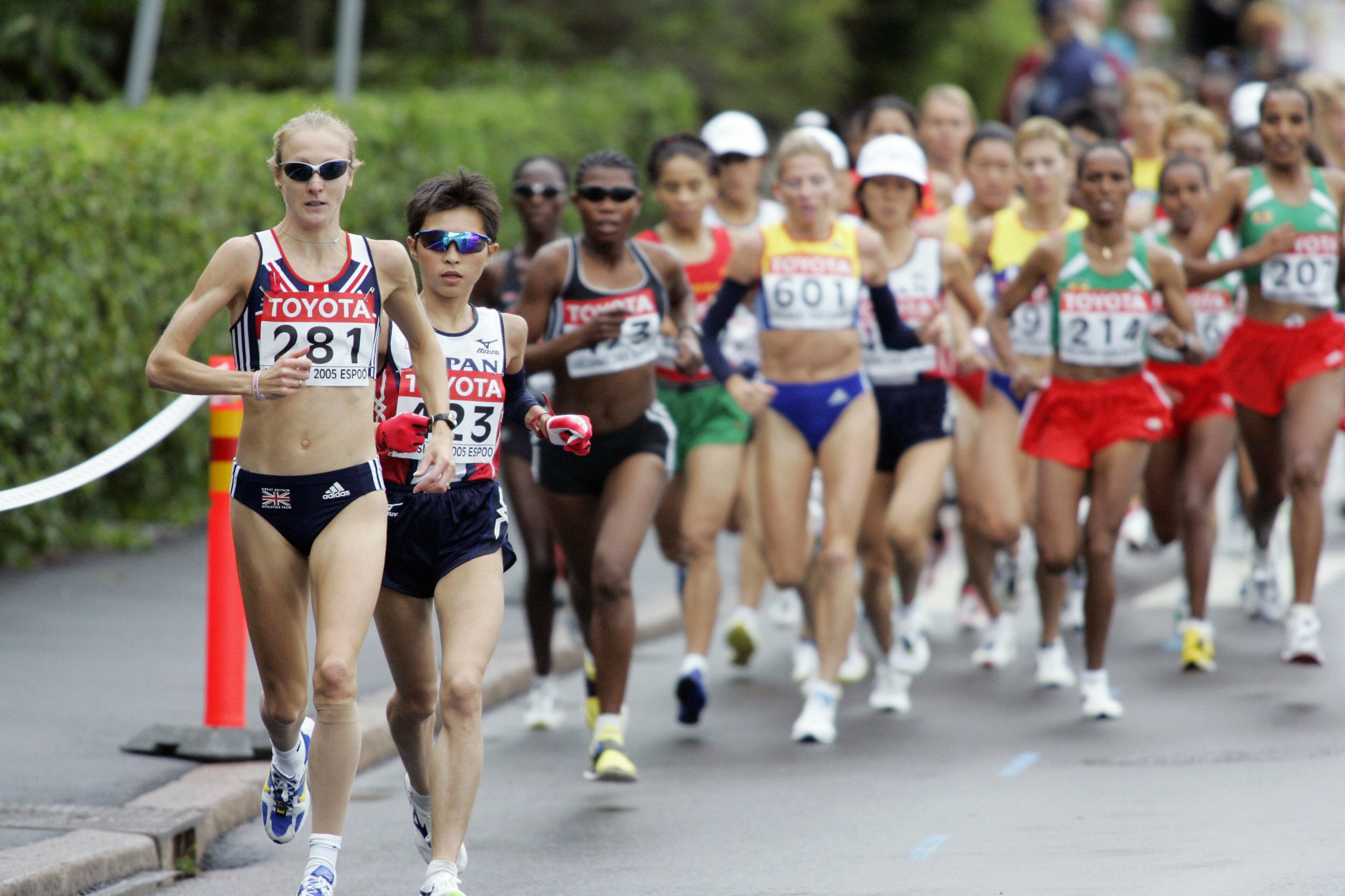 The IAAF World Championships women's marathon course record of 2:20:57 was set in 2005 by Britain's Paula Radcliffe in Helsinki when it was wet and cool in conditions ideal for running ©Getty Images