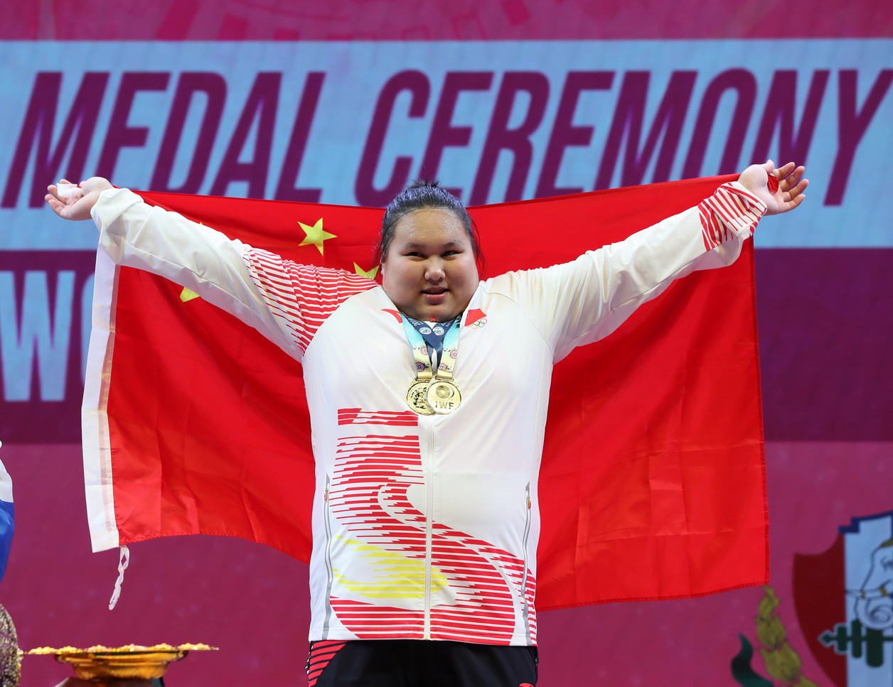 China's Li Wenwen dominated the women's over-87kg event ©IWF