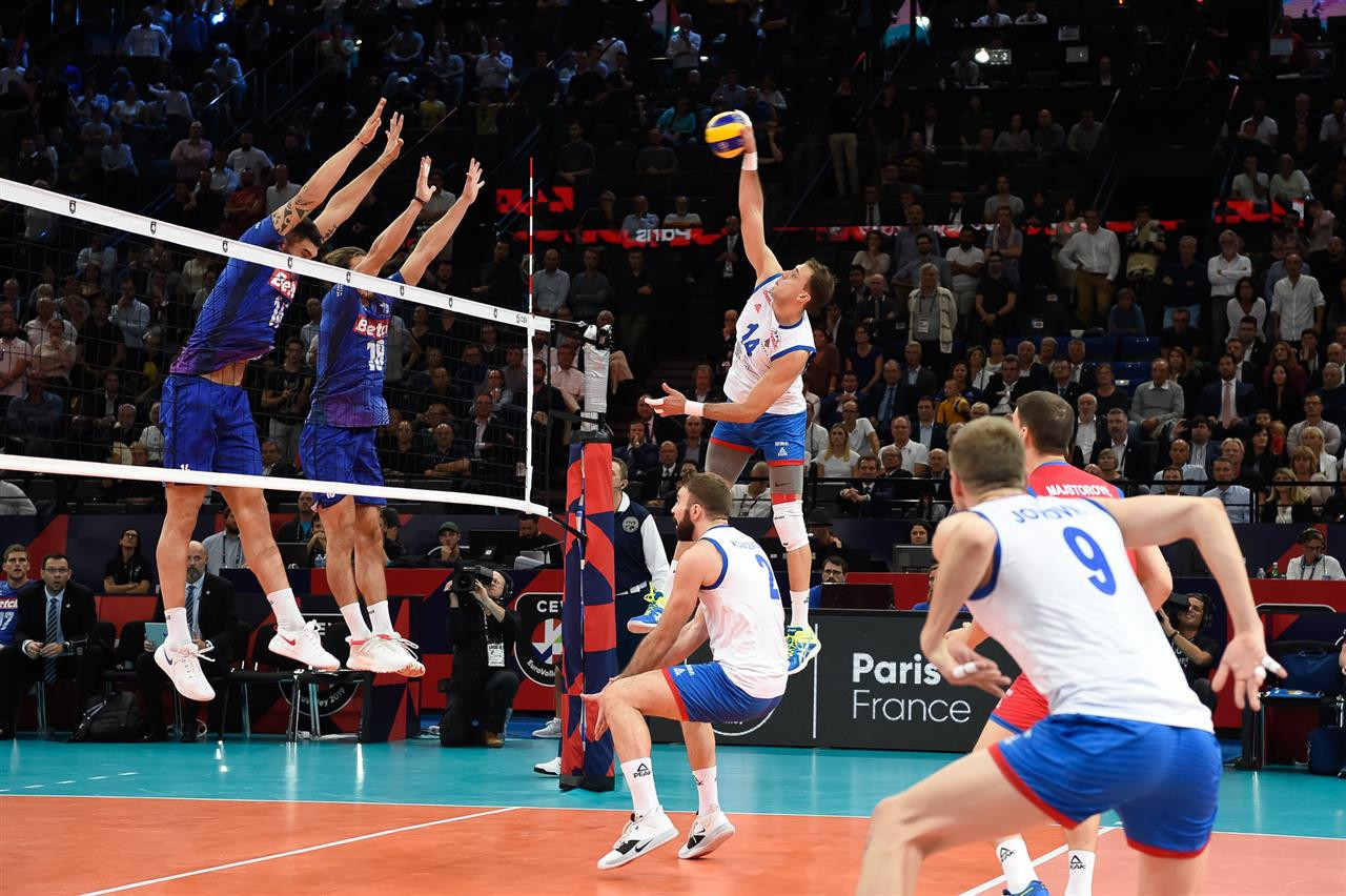 The Serbians won on a tie-break as they beat the French in front of their home crowd in Paris ©EuroVolley