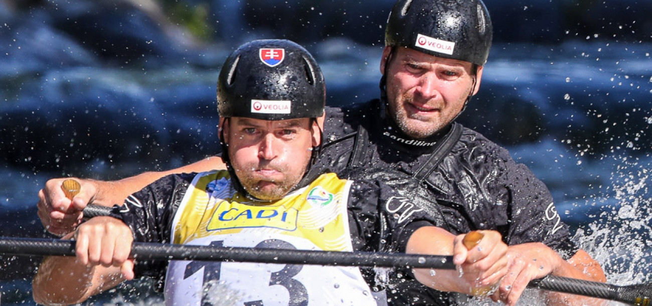 Twin brothers Pavol and Peter Hochschorner showed their class in men's C2 qualification at the ICF Wildwater World Championships ©ICF