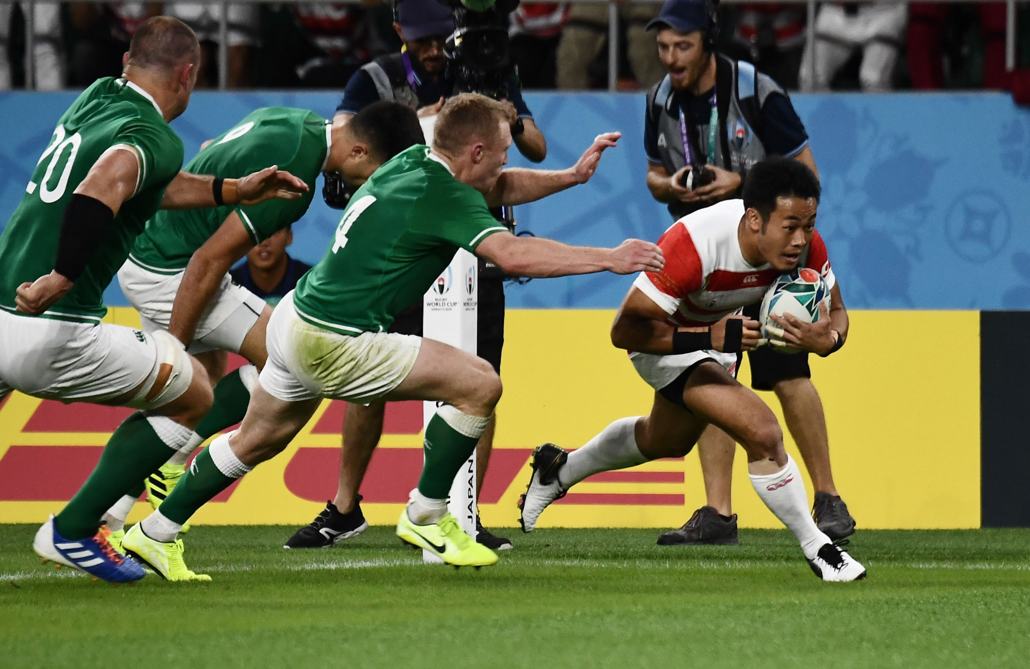 Hosts Japan stun Ireland to blow Rugby World Cup wide open