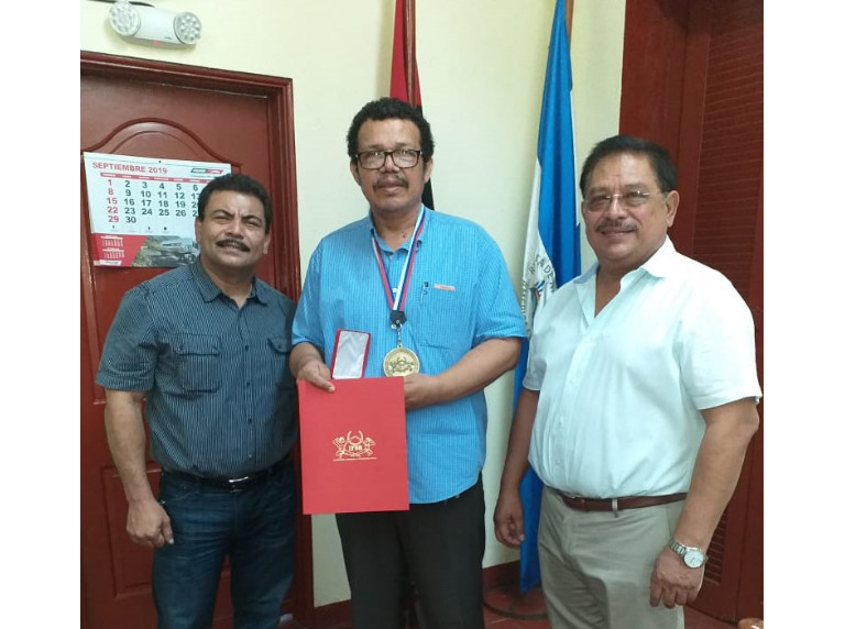Nicaraguan Sports Minister given IFBB Gold Medal