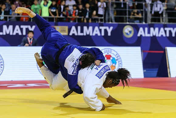 There was disappointment for host nation Kazakhstan as Madina Paragulgova was beaten by Anna Santos of Brazil in the women's over-70kg ©IJF