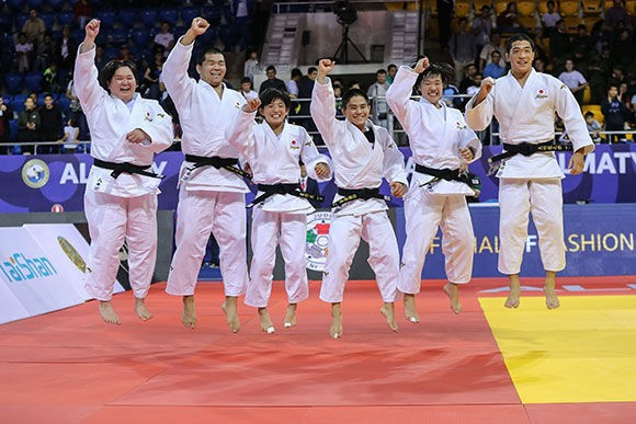 Japan retain mixed team title at World Cadets Judo Championships