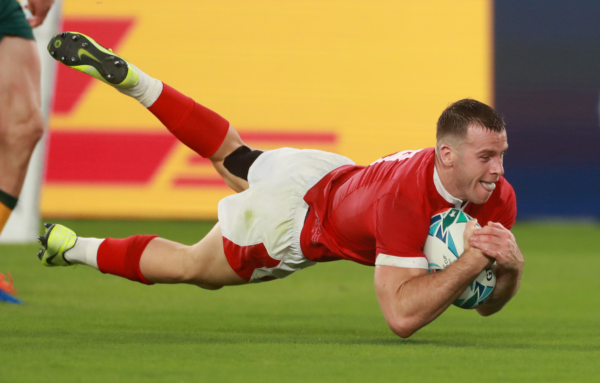 Gareth Davies went over the whitewash as Wales took control in the first half ©Getty Images