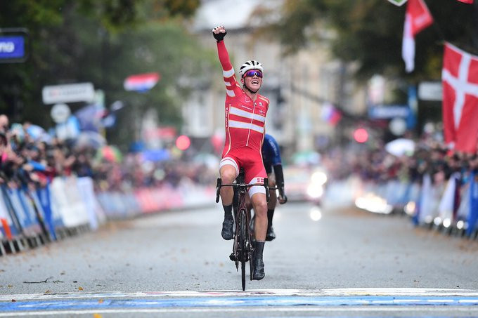 Pedersen sprints to shock road race victory at UCI World Championships