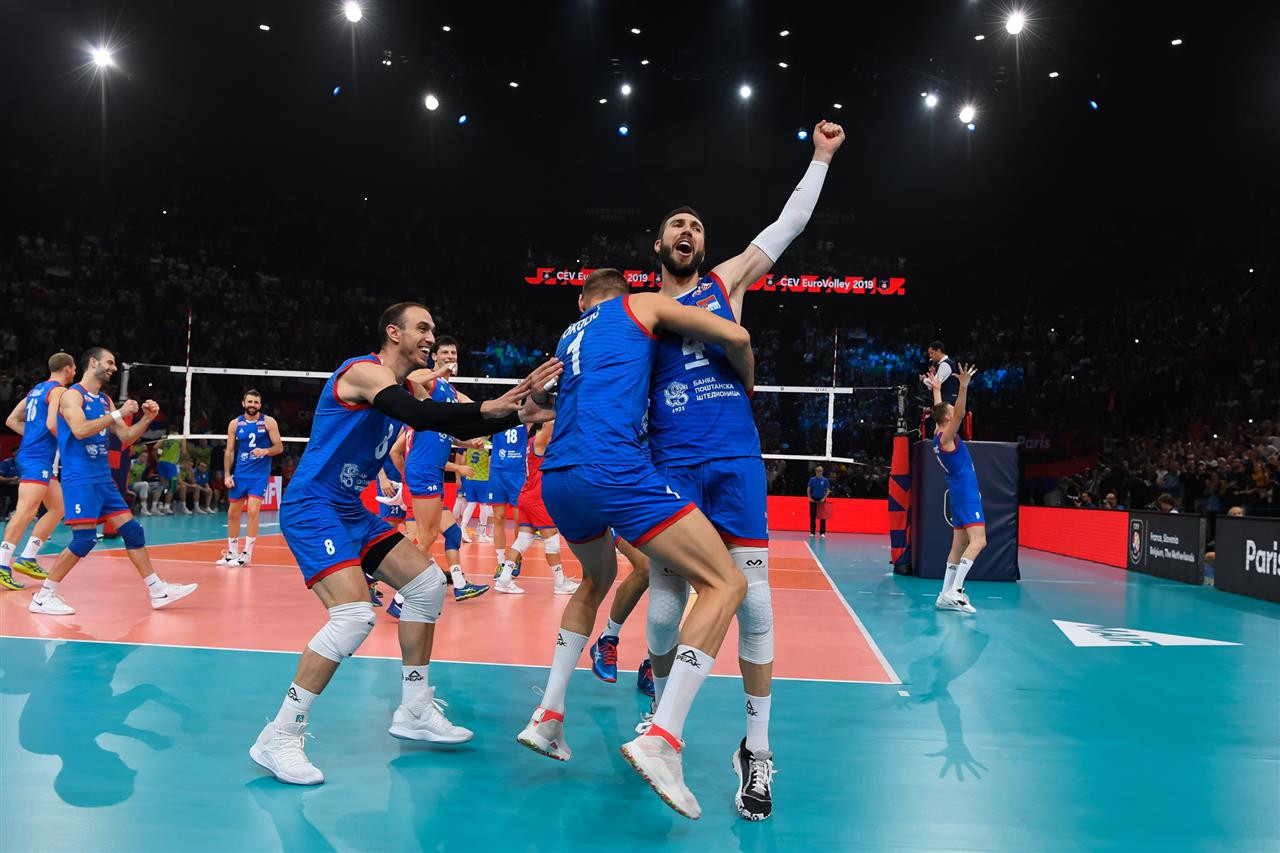 Co-hosts Slovenia won the first set, however Serbia fought back and eventually won the game 19-25, 25-16, 25-18, 25-20 ©EuroVolley