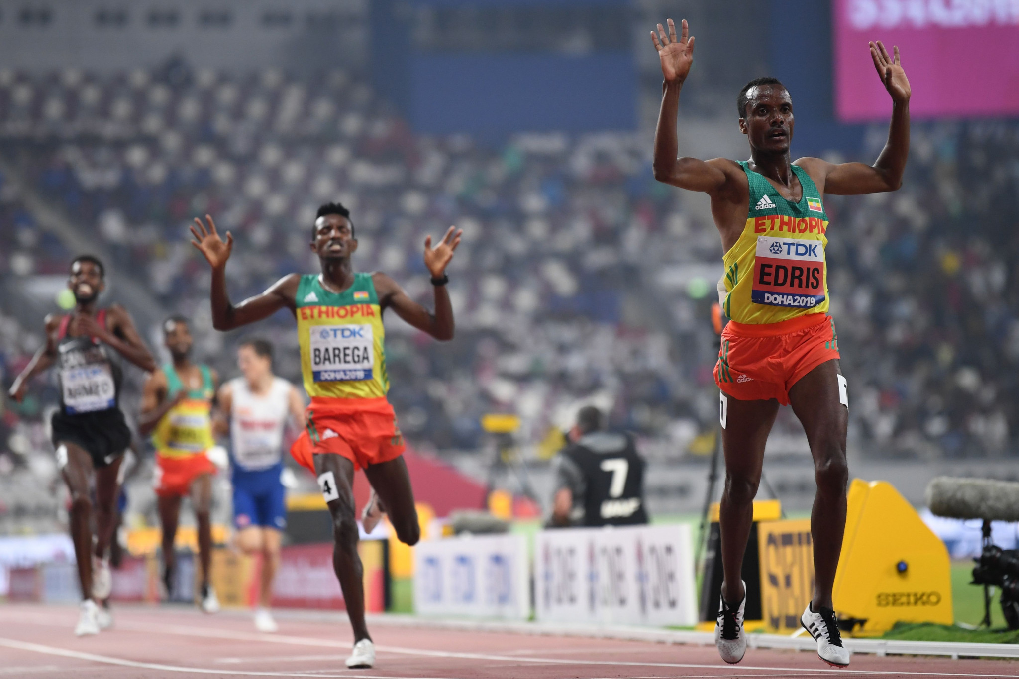 Ethiopia's Muktar Edris retains his world 5,000m title after an epic contest in Doha ©Getty Images