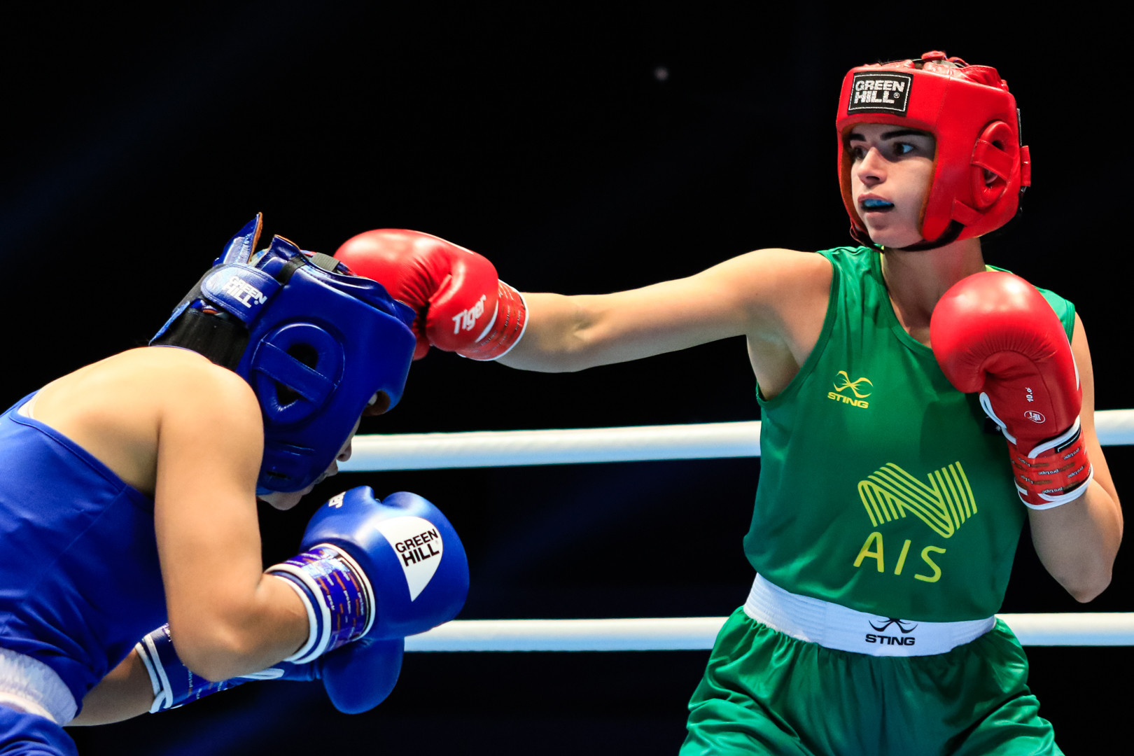 Commonwealth featherweight champion Nicolson triumphs in opening bout of AIBA Women's World Championships