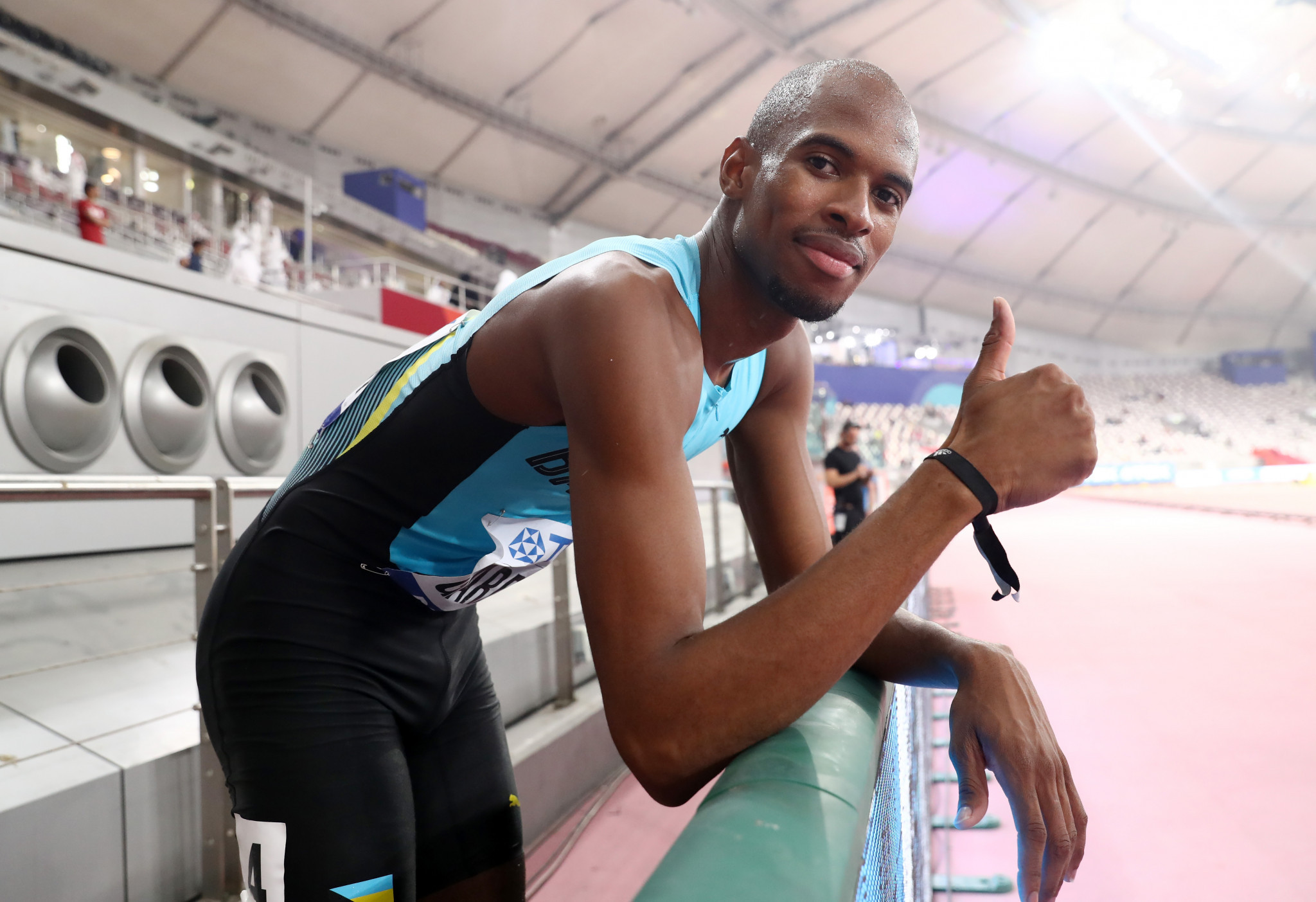 A thumbs-up from the Bahamas' Steven Gardiner after winning the 400m ©Getty Images