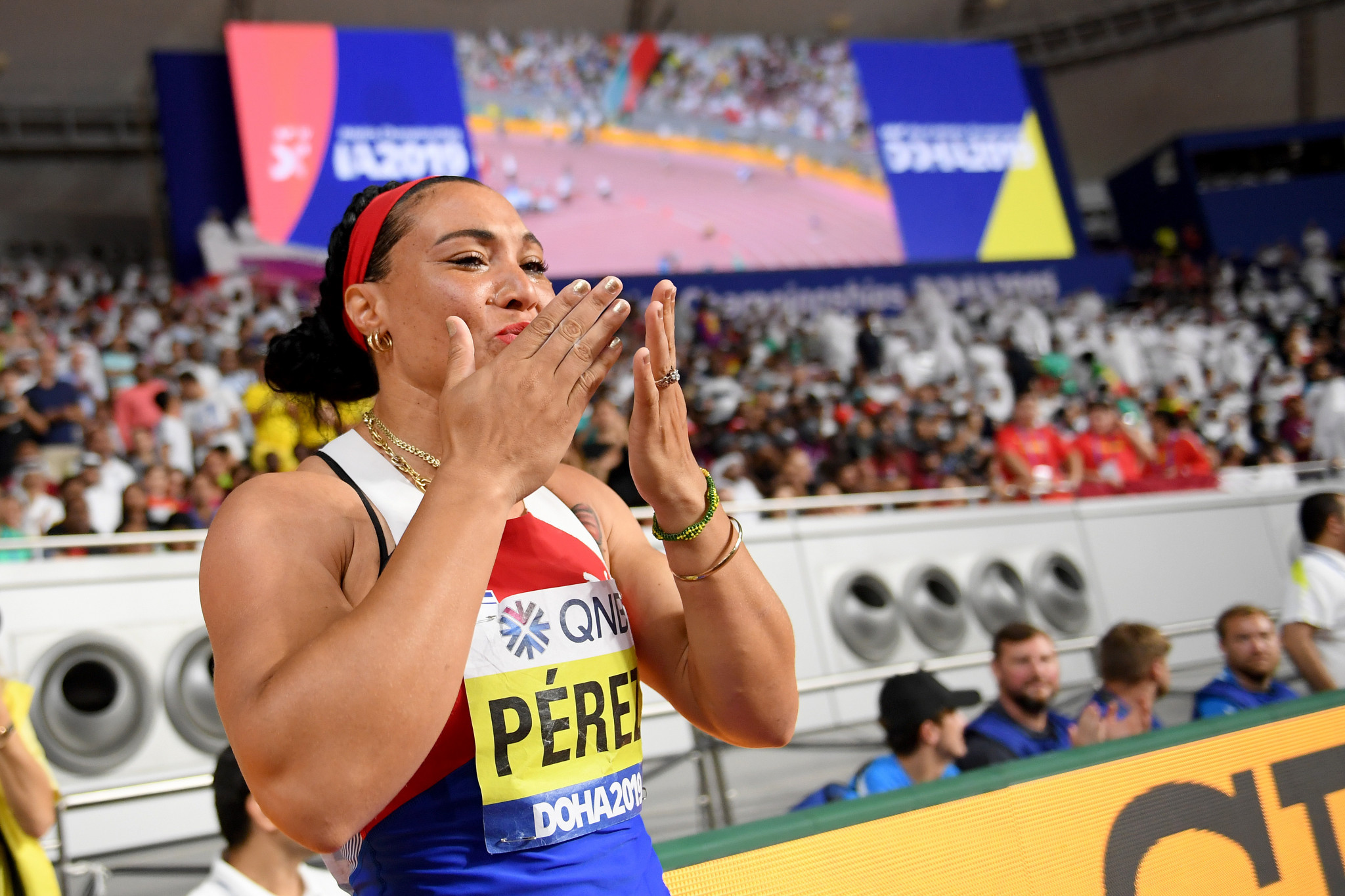 Cuba's Yaime Perez beat her compatriot Denia Caballero to win the women's discus ©Getty Images