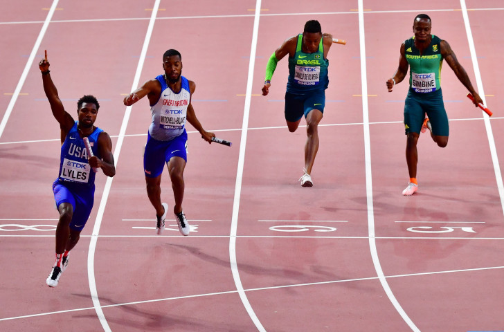 Noah Lyles, the individual 200m champion. anchors the United States to victory in the world 4x100m final in the second fastest time ever run, 37.10sec, to beat defending champions Britain and Japan ©Getty Images