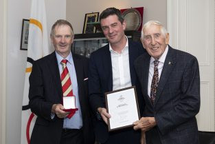 Melbourne 1956 champion becomes first Irish athlete awarded with OLY pin